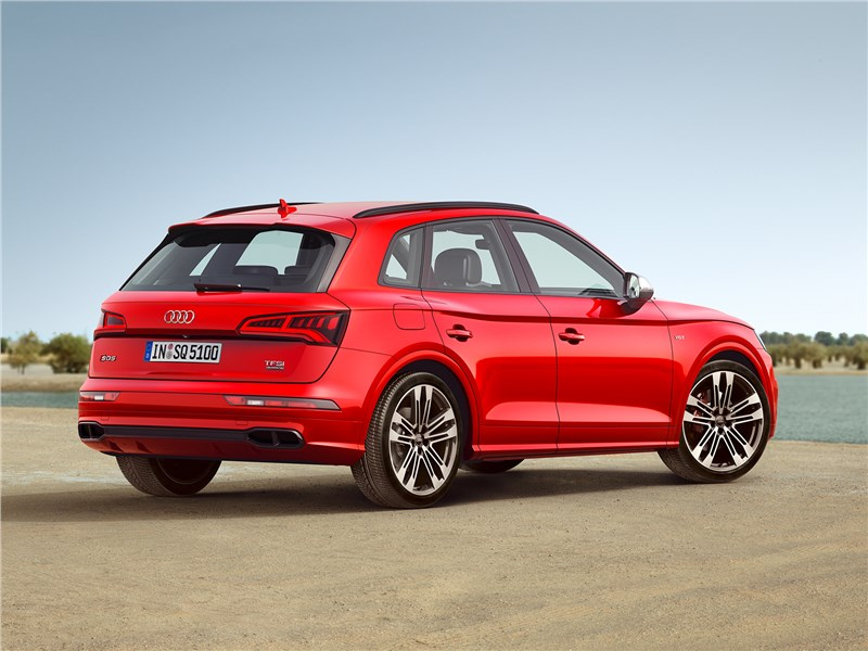 Audi SQ5 3.0 TFSI 2018 вид сбоку сзади