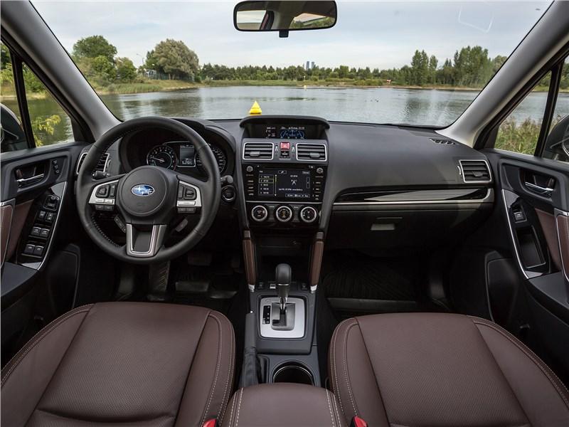 Subaru Forester 2016 салон