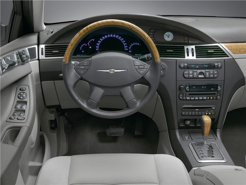 Chrysler Pacifica 2007 салон