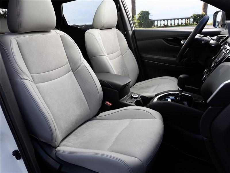 Nissan Qashqai 2014 передние кресла