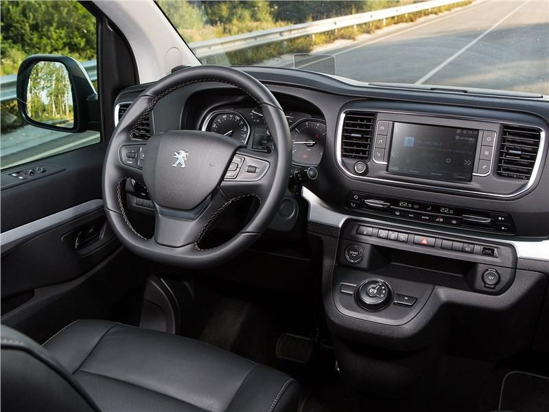 Peugeot Traveller 2018 салон
