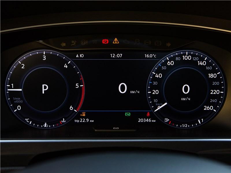Volkswagen Tiguan 2017 приборная панель