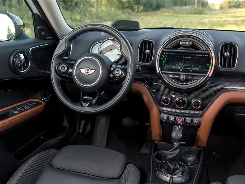 MINI Countryman D 2017 салон