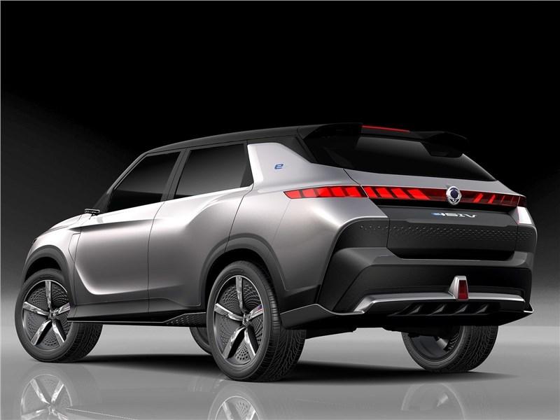 SsangYong e-SIV EV Concept 2018 вид сзади сбоку