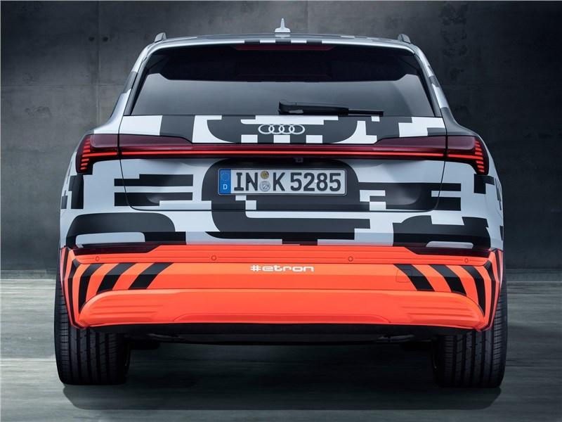 Audi e-tron Concept 2018 вид сзади