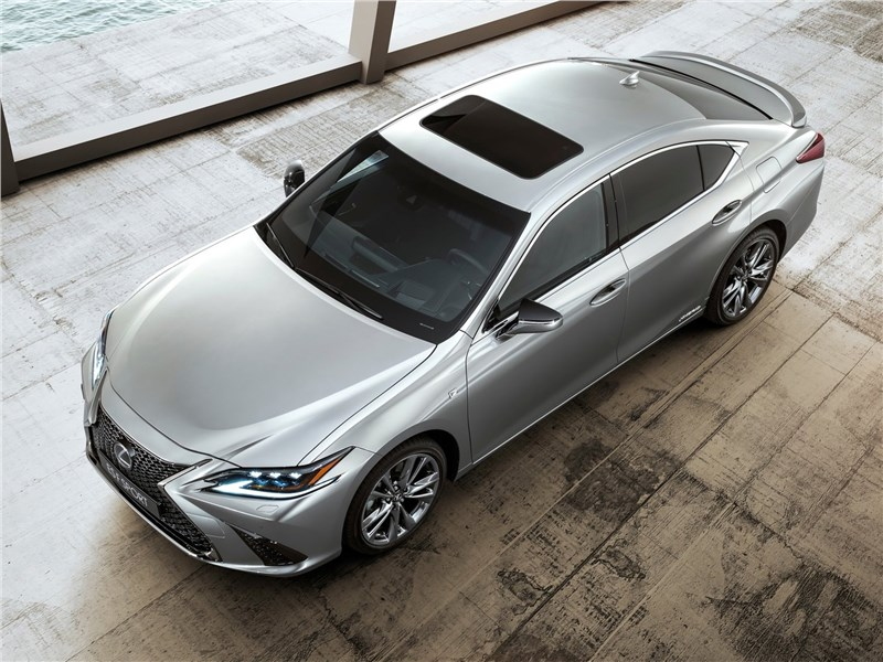 Lexus ES 2019 вид сверху