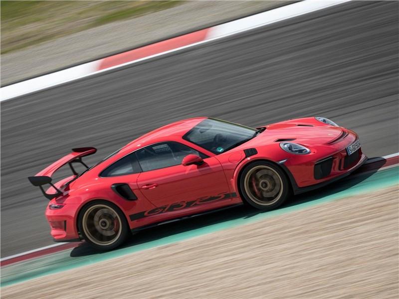 Porsche 911 GT3 RS 2019 вид сбоку