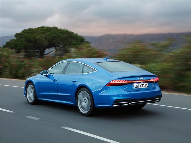 Audi A7 Sportback 2018 вид сзади