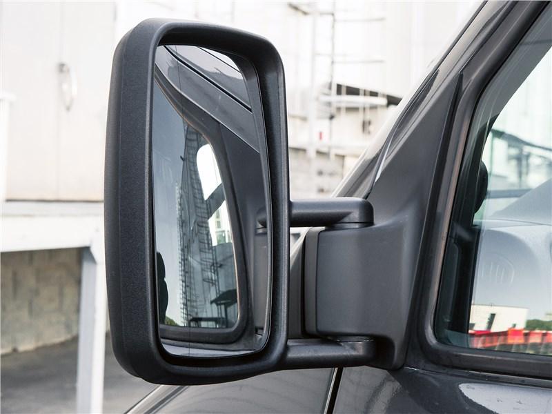 Mercedes-Benz Sprinter 2018 боковое зеркало