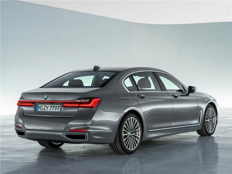 BMW 7-Series 2019 вид сзади
