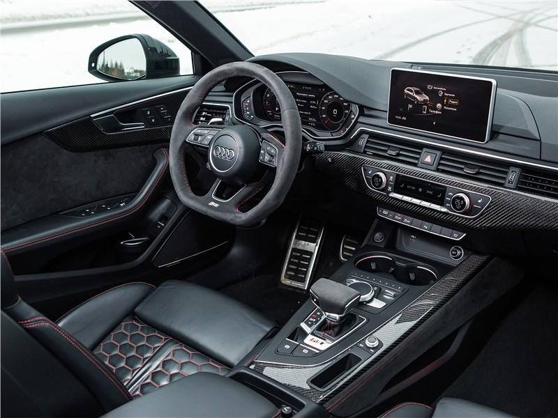 Audi RS4 Avant 2018 салон