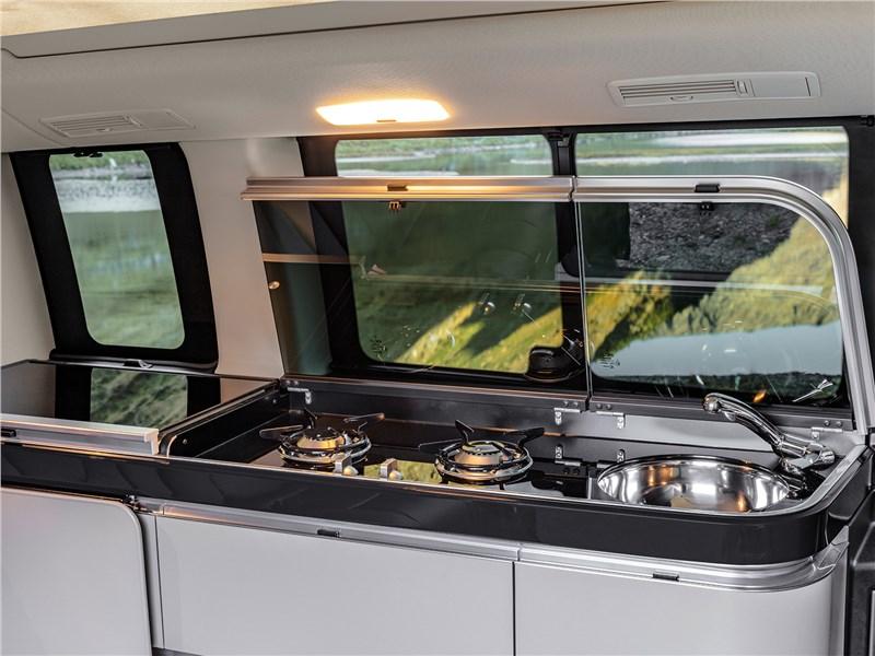 Mercedes-Benz V-Klasse 2020 кухня в салоне