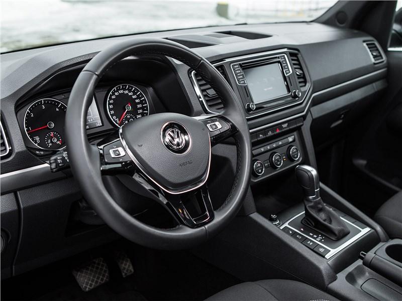 Volkswagen Amarok Dark Label 2019 водительское место