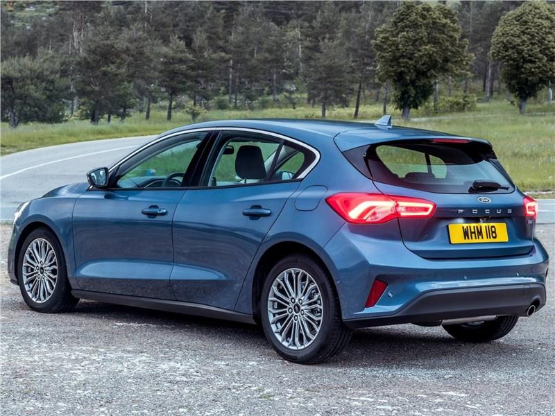 Ford Focus 2019 вид сзади