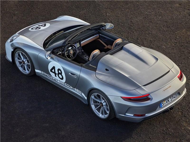 Porsche 911 Speedster 2019 вид сверху