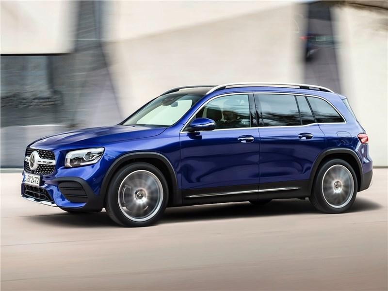 Mercedes-Benz GLB 2020 вид спереди сбоку