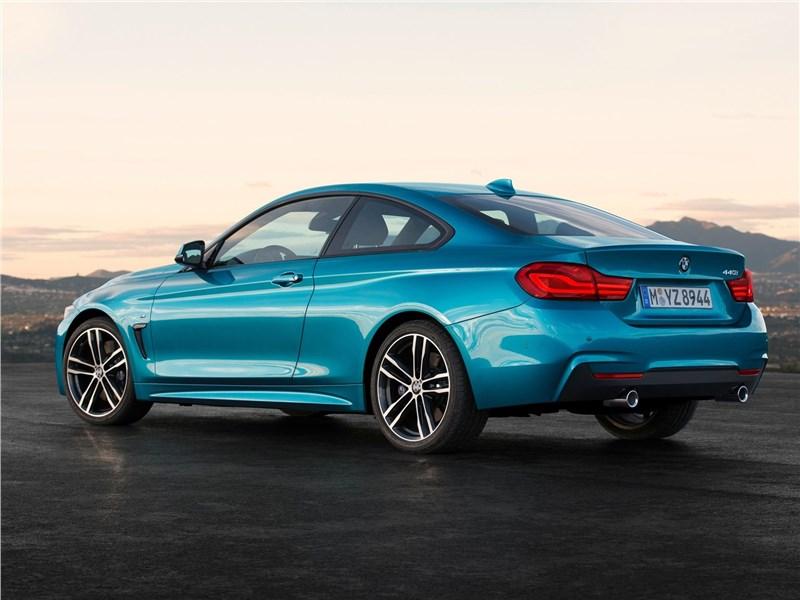 BMW 4-Series Coupe 2018 вид сзади