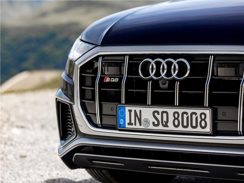 Audi SQ8 TDI 2020 решетка радиатора