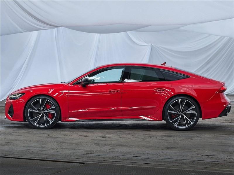 Audi RS7 Sportback 2020 вид сбоку
