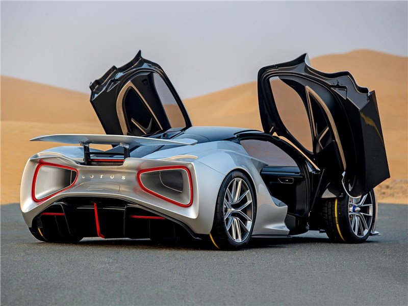 Lotus Evija 2020 вид сзади