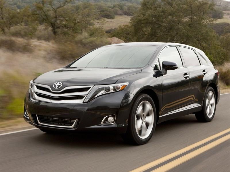 Toyota начала прием заказов на модель Venza