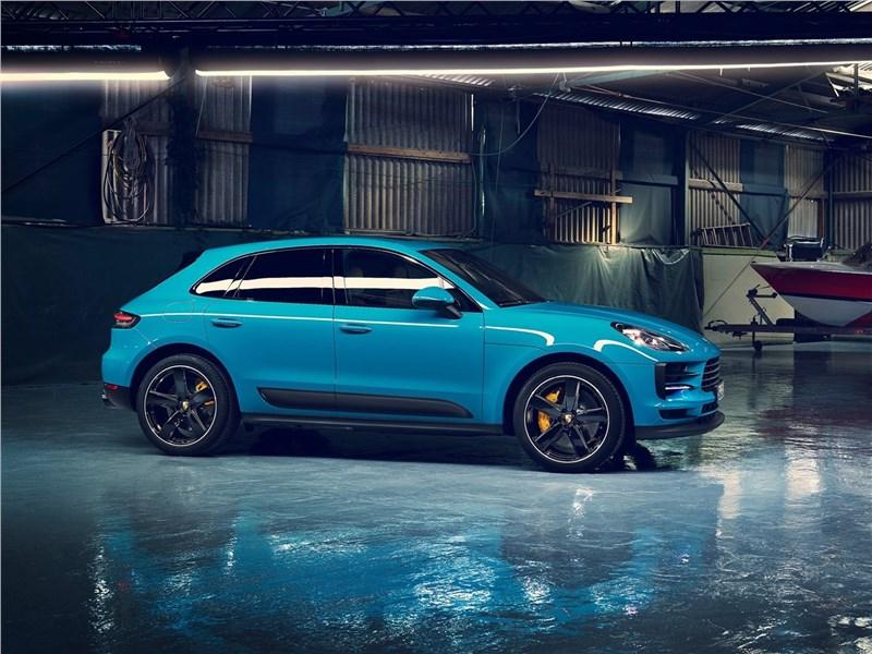 Porsche Macan 2019 вид сбоку