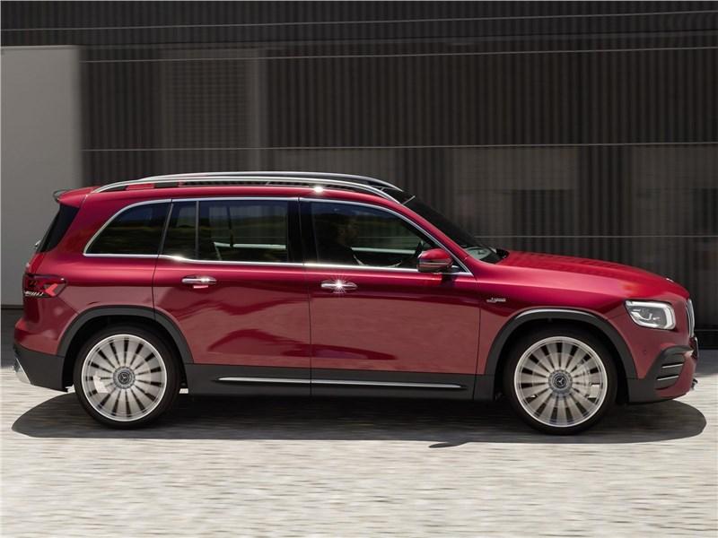 Mercedes-Benz GLB AMG 2020 вид сбоку