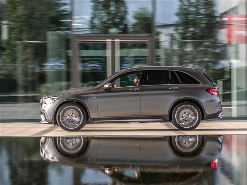 Mercedes-Benz GLC63 S AMG 2020 вид сбоку