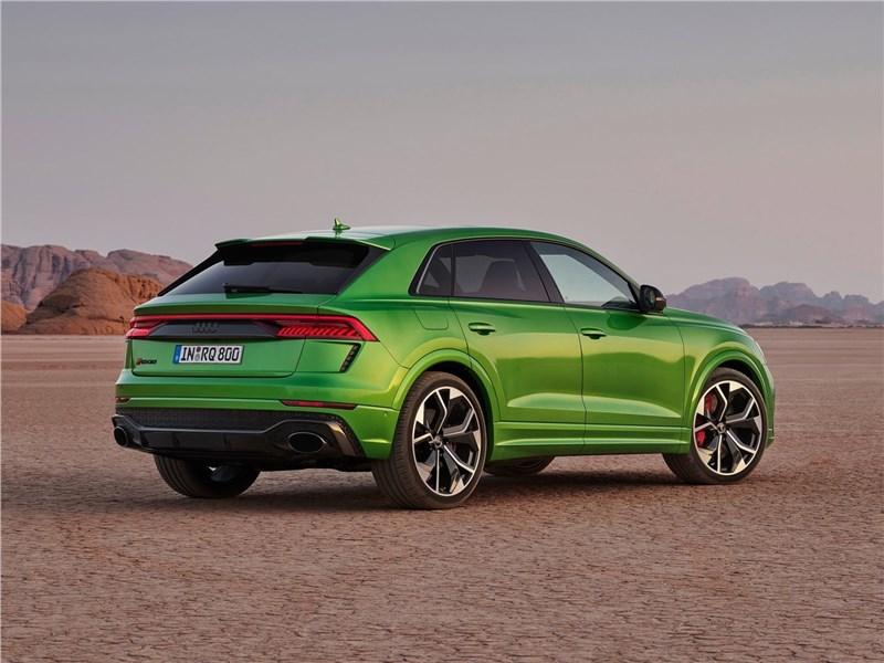 Audi RS Q8 2020 вид сзади