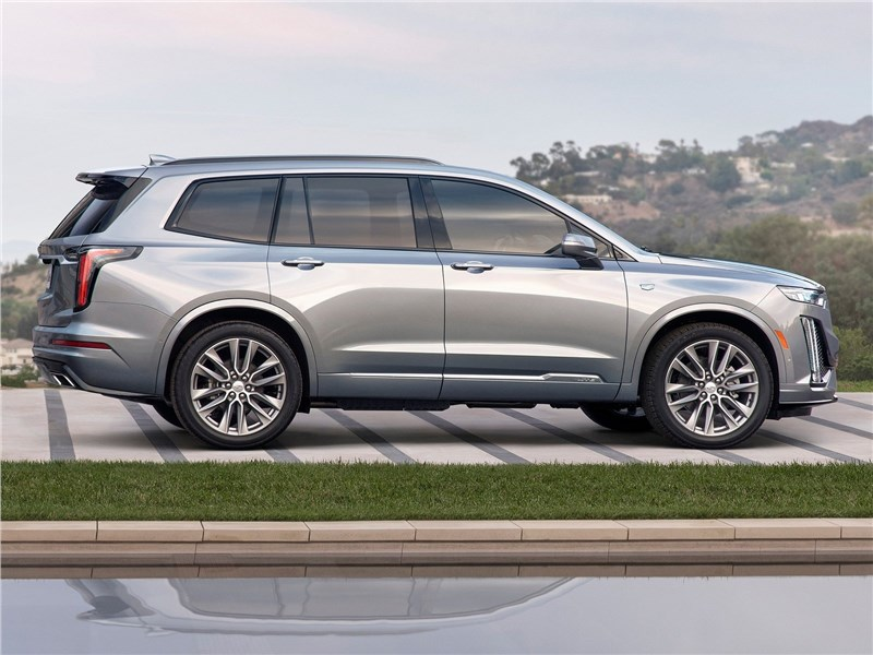 Cadillac XT6 2020 вид сбоку