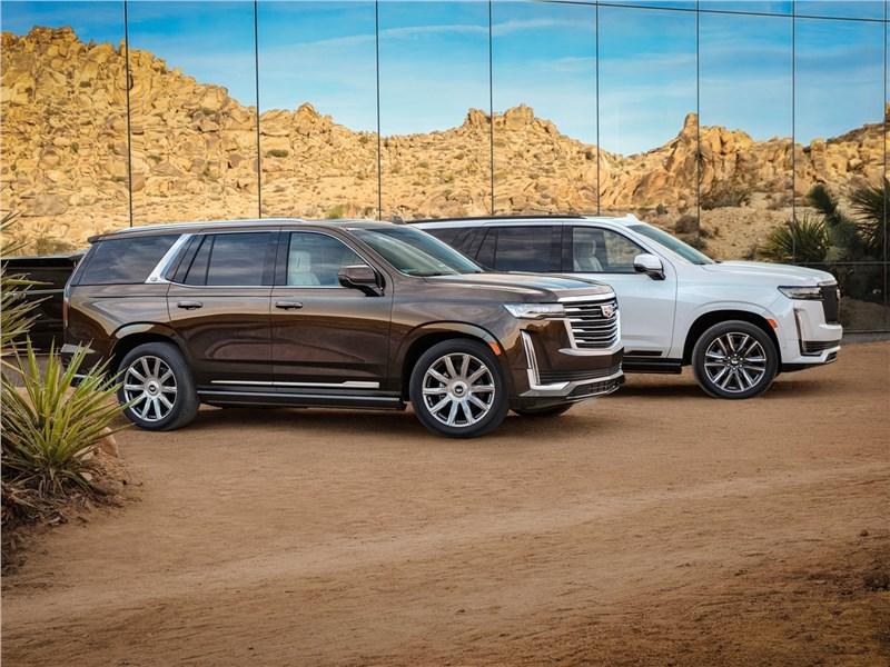 Cadillac Escalade 2021 вид сбоку
