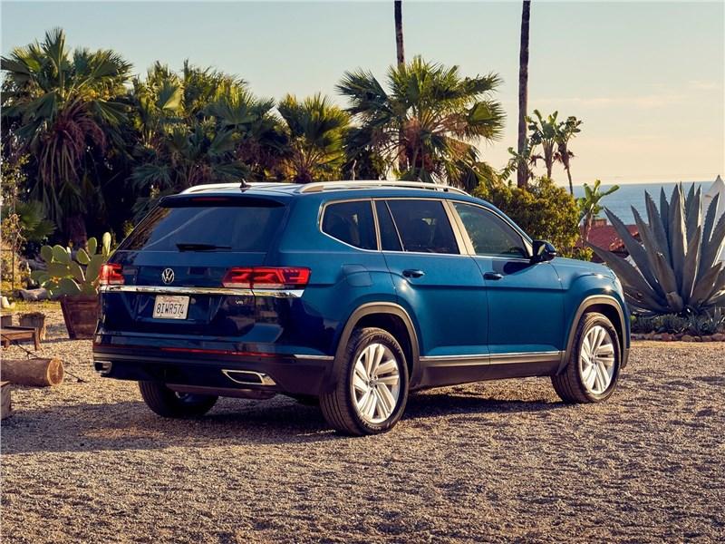 Volkswagen Atlas 2021 вид сзади