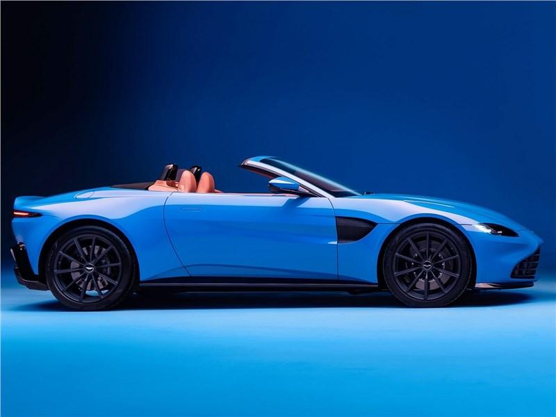 Aston Martin Vantage Roadster 2021 вид сбоку