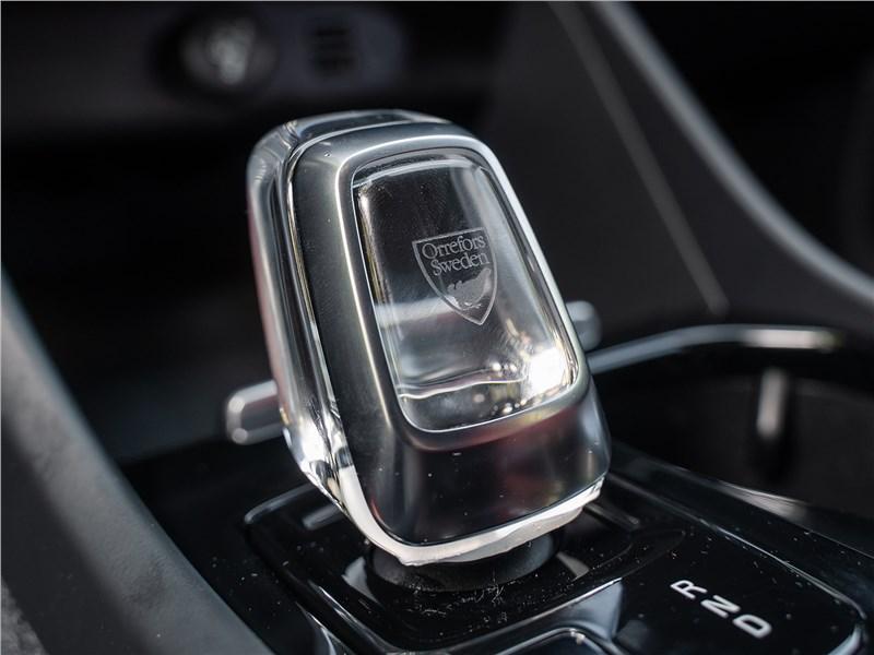 Volvo XC40 2018 селектор АКПП