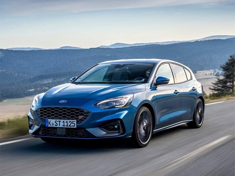 У Ford Focus ST не будет полноприводной версии, но появятся гибридные силовые установки