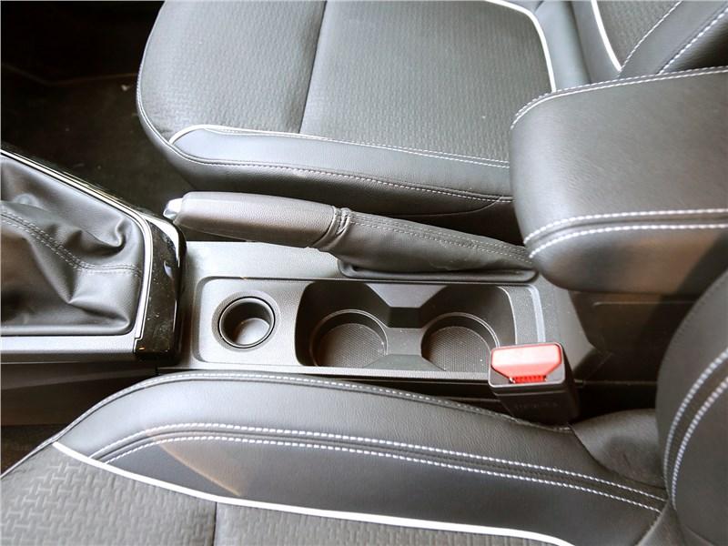 Renault Arkana 2020 подлокотник