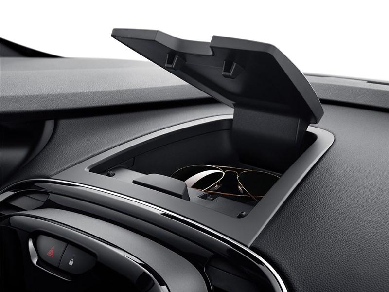 Renault Kaptur 2020 дополнительный ящик