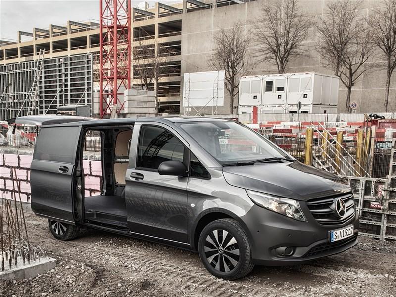 Mercedes-Benz Vito 2020 вид сбоку