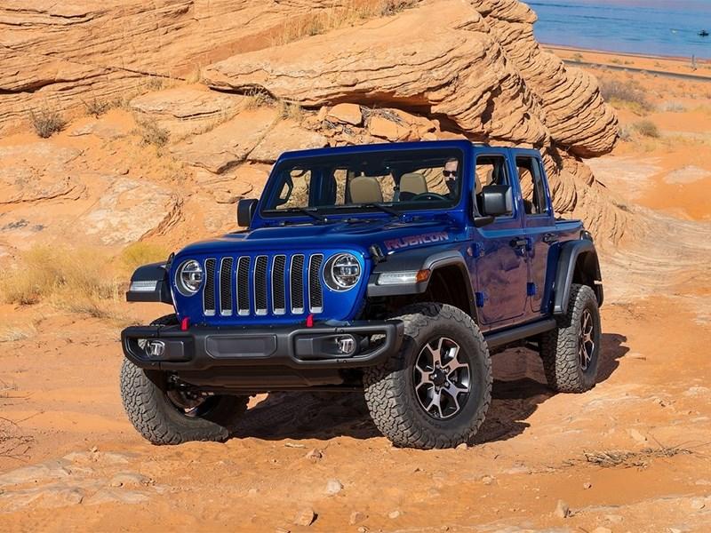 Jeep Wrangler готовится к соперничеству с возрожденным Ford Bronco
