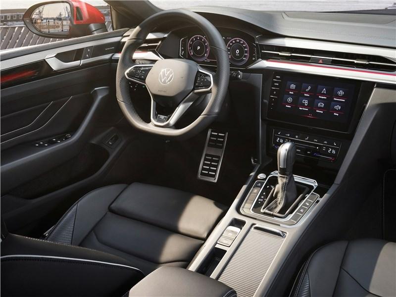 Volkswagen Arteon (2021) салон