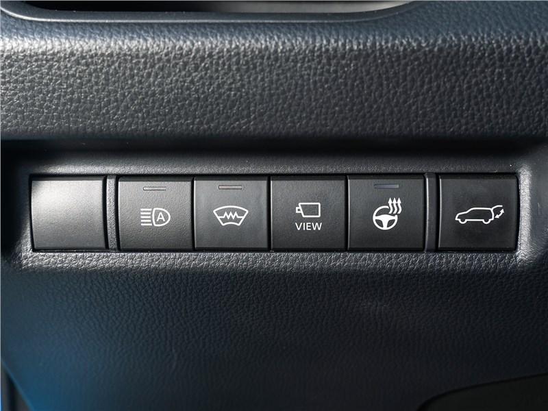 Toyota RAV4 2019 кнопки