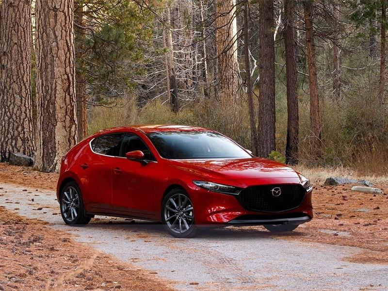 Mazda приостановила поставки модели Mazda3 в Россию