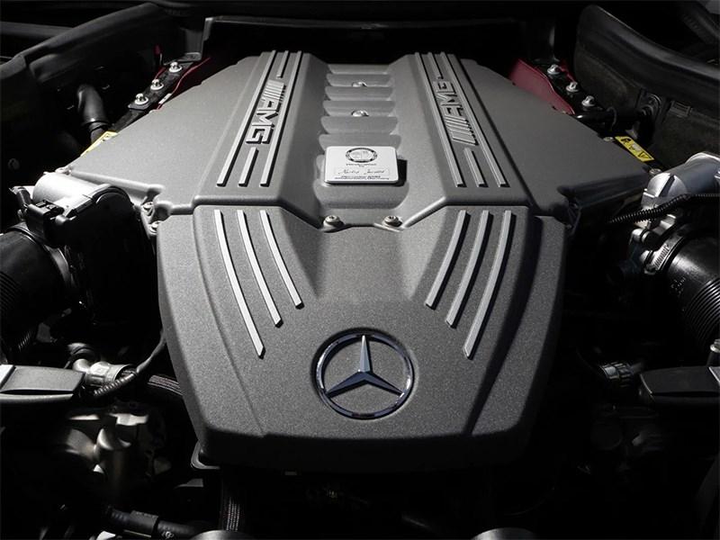 Mercedes-Benz не будет делиться с Aston Martin двигателями