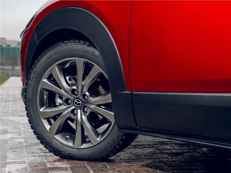 Mazda CX-30 (2020) переднее колесо
