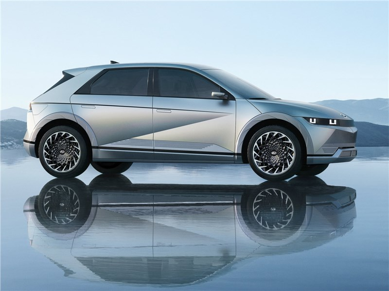 Hyundai Ioniq 5 (2022) вид сбоку