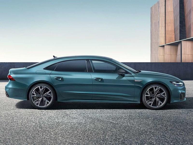 Audi A7 превратили в седан