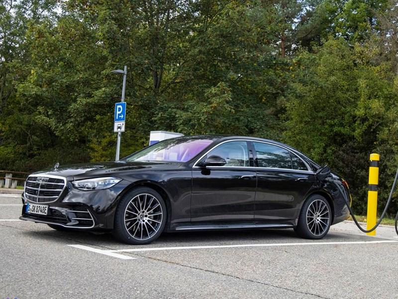 Mercedes-Benz S-Class превратили в гибрид