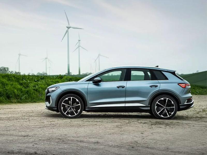 Семейство Audi Q4 E-Tron пополнилось еще двумя версиями