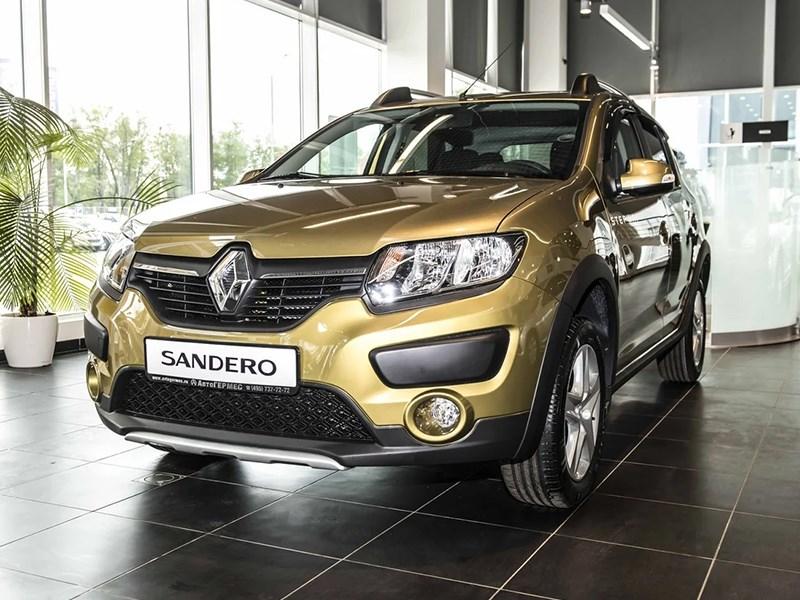 В Renault подняли цены на Logan и Sandero
