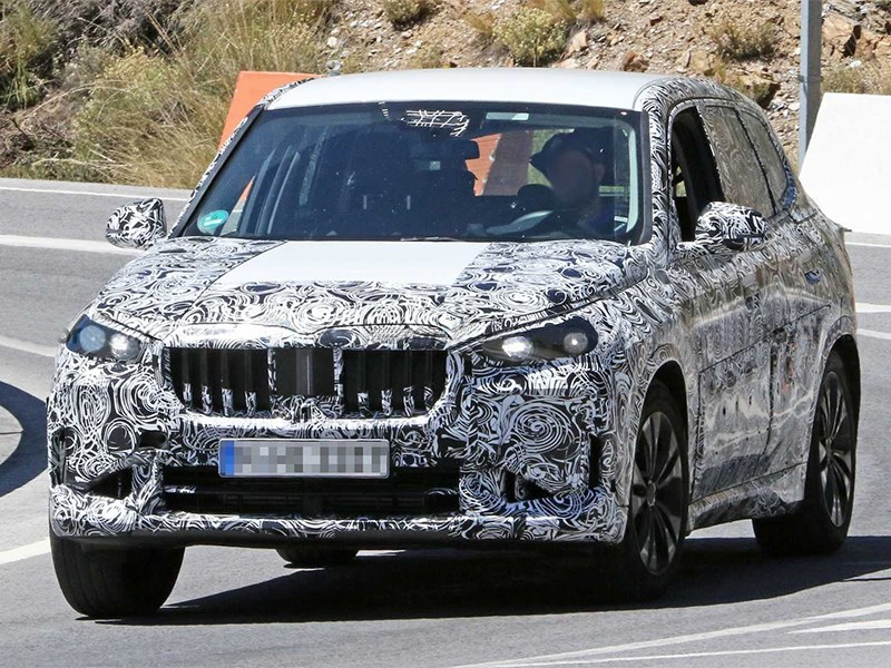 Новый BMW X1 замечен на тестах